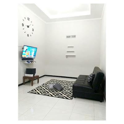 Ruang keluarga simpel