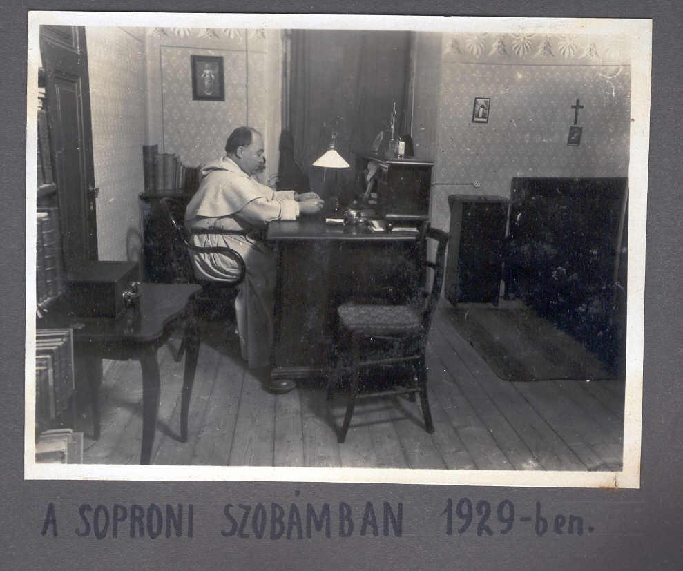 Múlt - Soproni_szob%25C3%25A1j%25C3%25A1ban.jpg