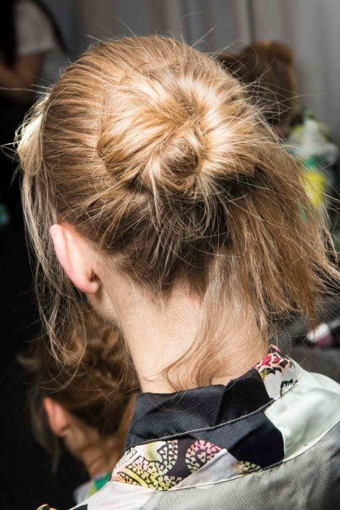 40+Latest styles Messy Buns -quick and easy ways! 11