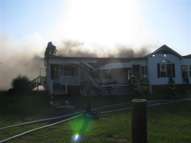House fire Lynchburg Rd Mutual Aid to Williamsburg Co. Fire 032.jpg