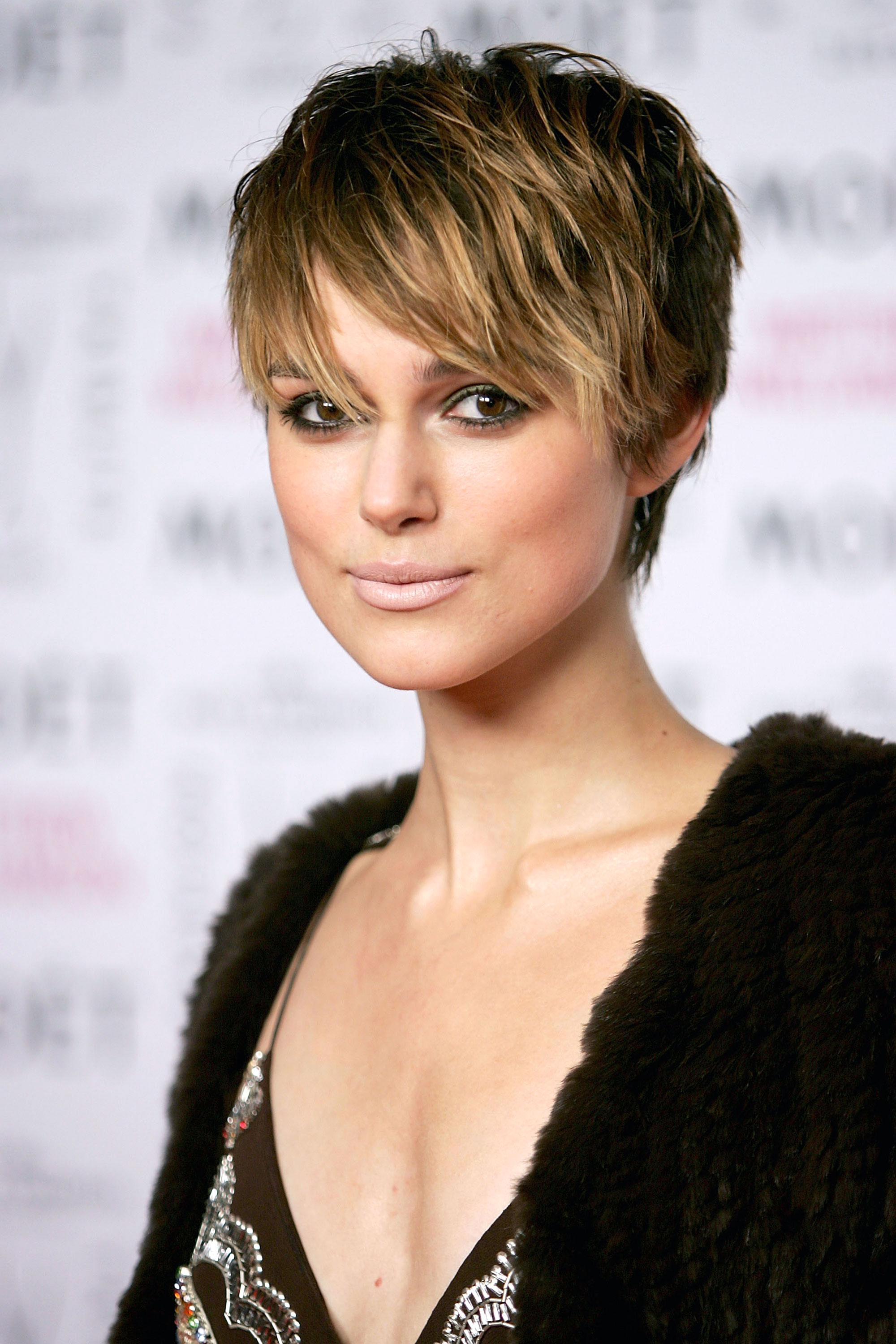 2018 Short Hair With Bangs For Women's 3