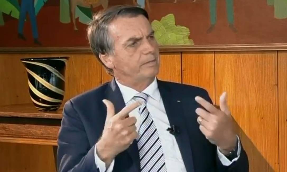 """""""Pessoa armada é respeitada"""", diz Bolsonaro ao defender armamento no Brasil"""