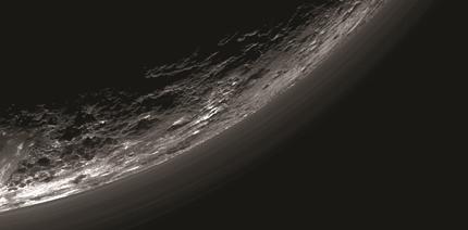 camadas de neblina no limbo de Plutão