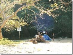 acampados-em-praia-longa