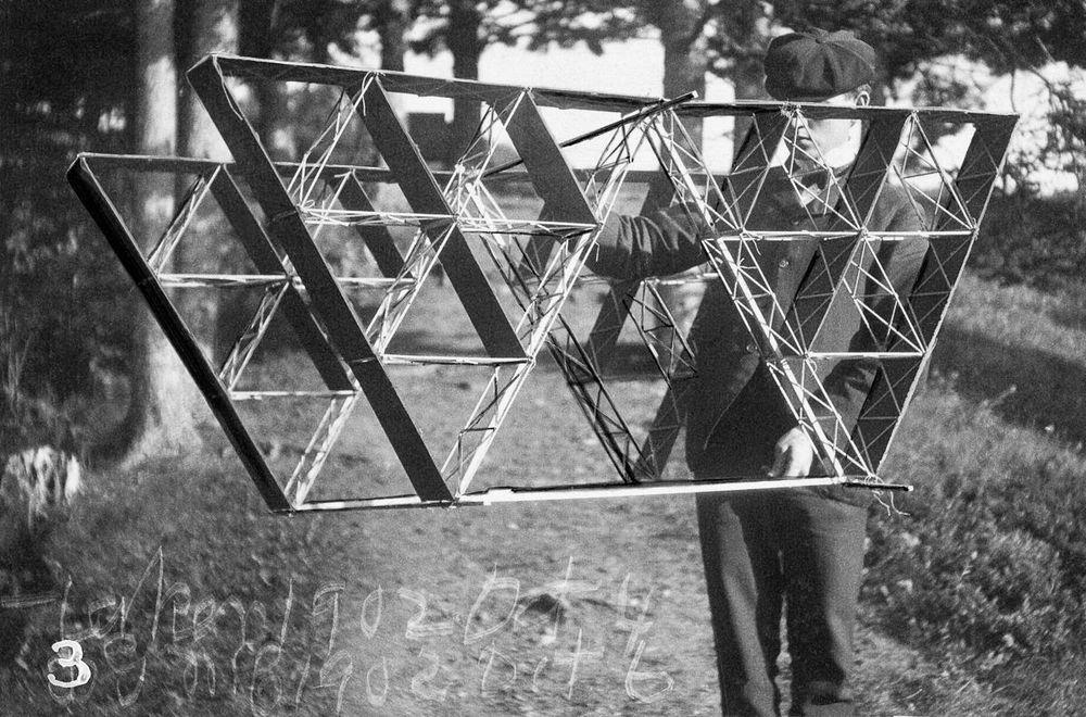 graham-bell-tetrahedral-kites-8