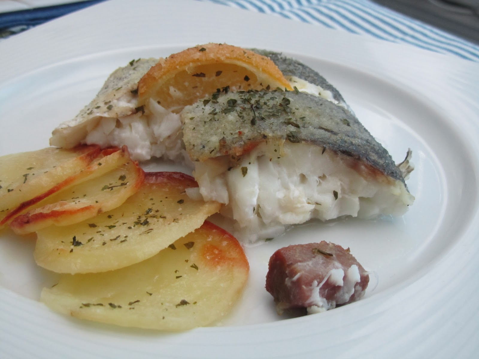 Las recetas de marichu y las mias cola de merluza al - Merluza rellena de marisco al horno ...