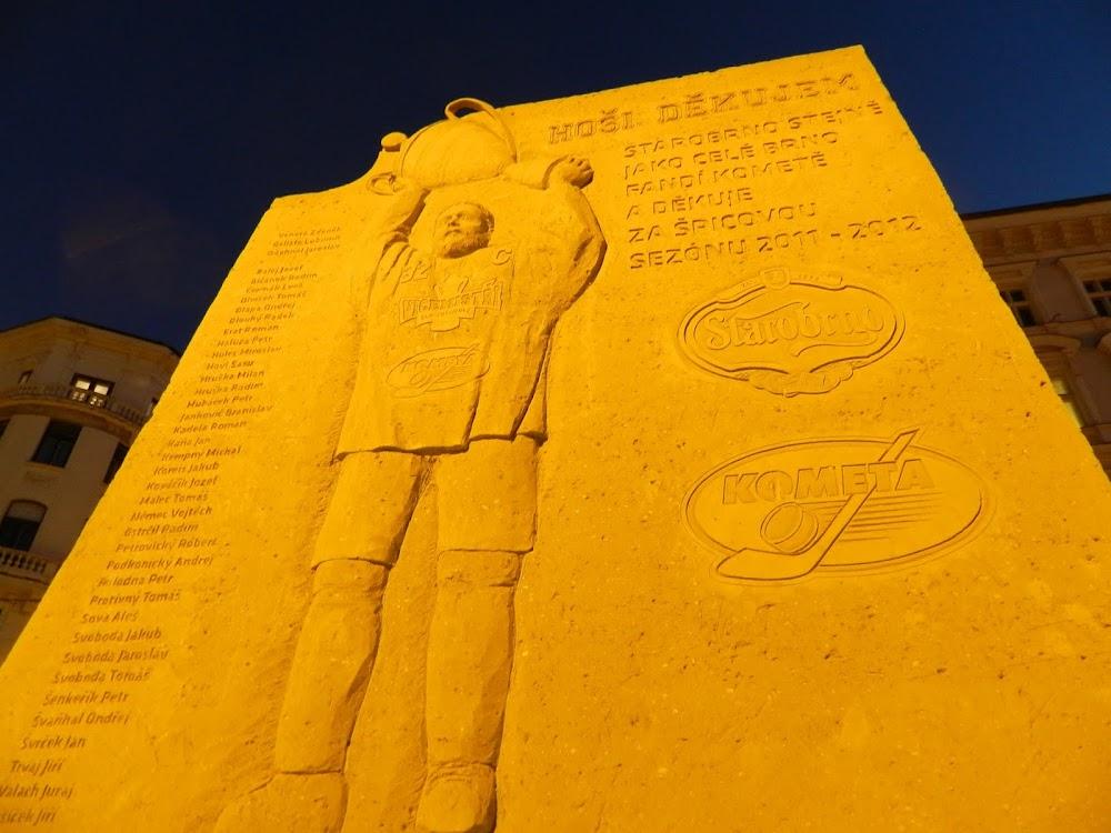 a big azz hockey sand sculpture