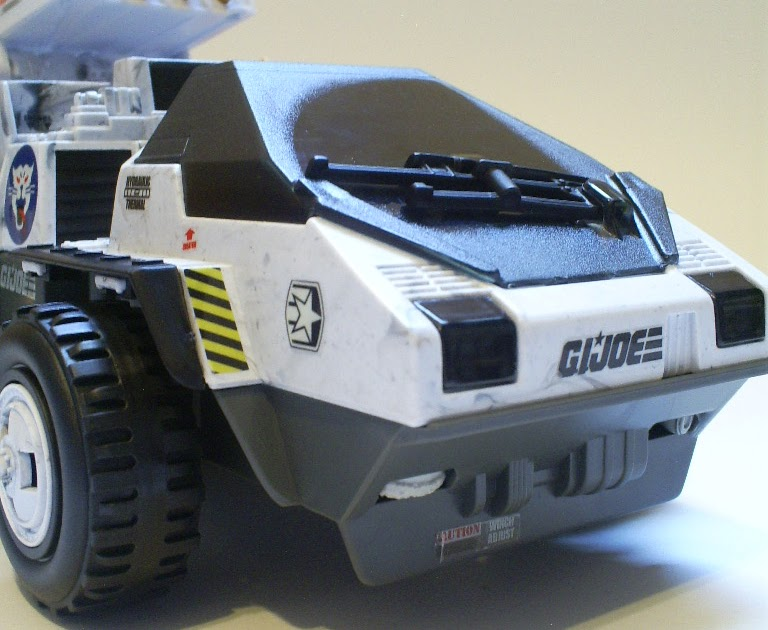 ... Figures: REVIEW: GI Joe: Pursuit of Cobra - Wolf Hound With White Out