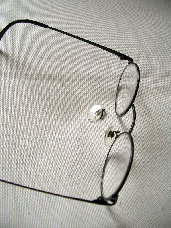 how to fix a broken nose pad on glasses