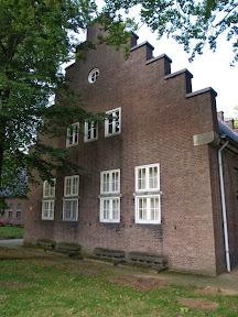 Zuidkamp gebouw Z31 - karakteristieke Hollandse gevel