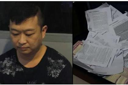Ditengah Penistaan Al Qur'an oleh Ahok, di Solo Terjadi Perobekkan Al Qur'an oleh Keturunan Cina