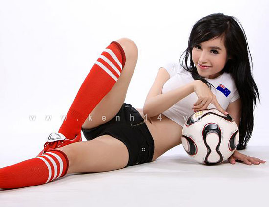 Elly Tran Ha – World cup 2014