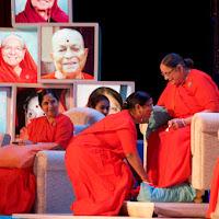 Madhuriben bowing to Hansa Didi.jpg