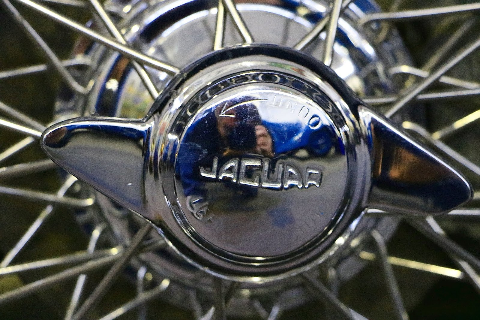 1955 Jaguar XK 140 Wire Wheel.jpg