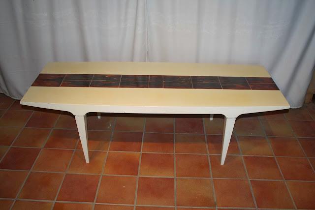 Couch tisch designer tisch 70er jahre belarti for 70 er jahre couch