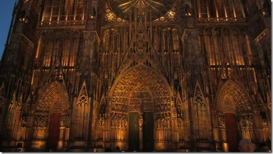 Cathédrale Notre Dame de Strasbourg by Night (4)