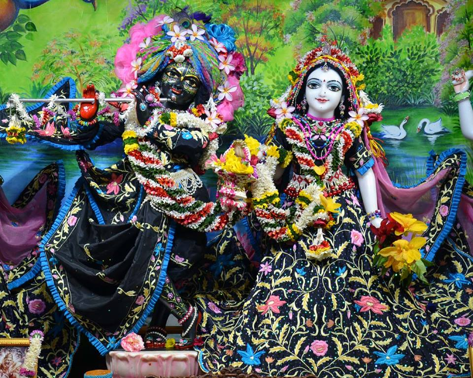 ISKCON Nasik Deity Darshan 03 Feb 2016 (9)