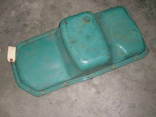 1962-1966 center sump pan, fits all 401-425 except 1965-66 GS Skylark.