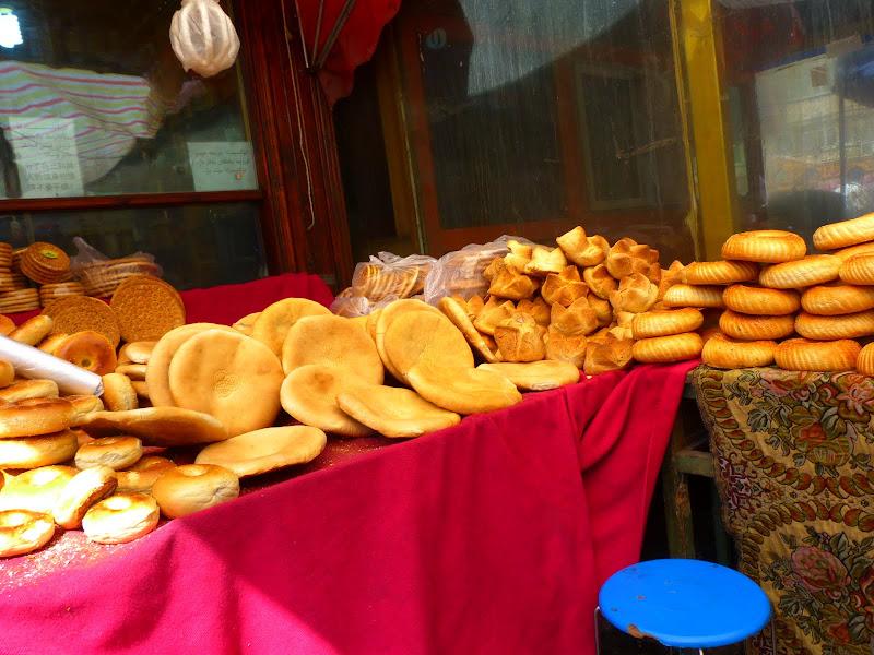 XINJIANG. Urumqi, Grand Bazar, 8 avril - P1270331.JPG