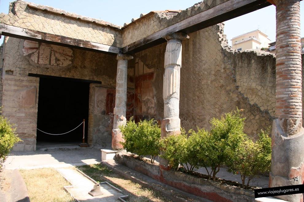Casa del atrio corintio herculano italia viajes y for Atrio dentro casa