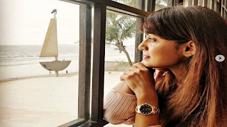 marathi-actress-gets-emotional-for-her-hubby