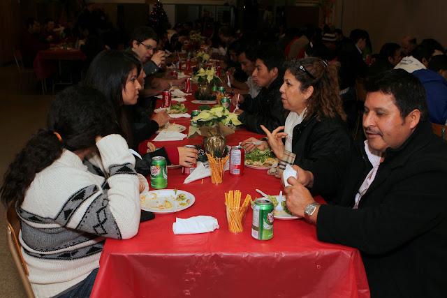 OLOS Navidad 2010 con Amigos Migrantes - IMG_9854.JPG