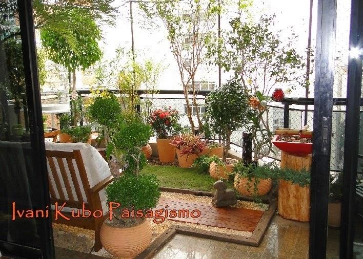 Favoritos Ivani Kubo Paisagismo: Jardim enCÃOtador: Paisagismo em Varanda de  KM77