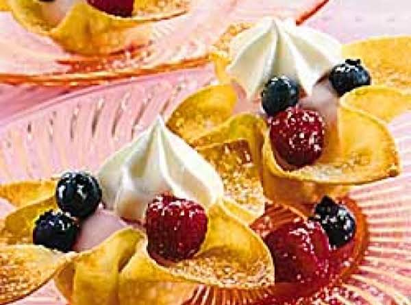 'low Fat' Fruit And Cream Wonton Cups