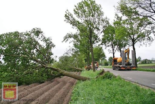 Noodweer zorgt voor ravage in Overloon 10-05-2012 (57).JPG