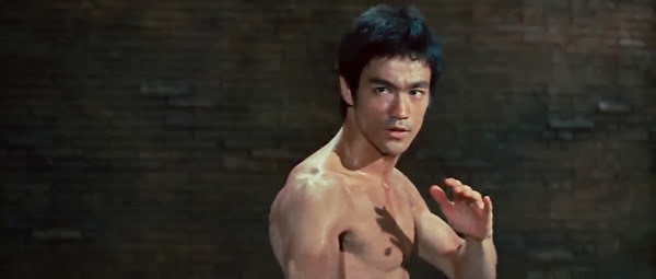 Screen Shot Of Hollywood Movie The Way of the Dragon (1972) In Hindi English Full Movie Free Download And Watch Online at Alldownloads4u.Com