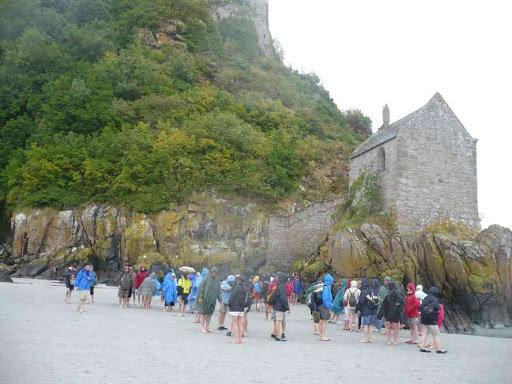 Comme 70 % des touristes (c'est Wikipedia qui le dit), nous ne sommes pas montés à l'abbaye