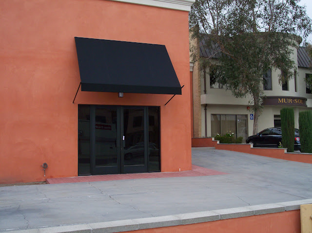 Commercial Awnings - awning1.jpg