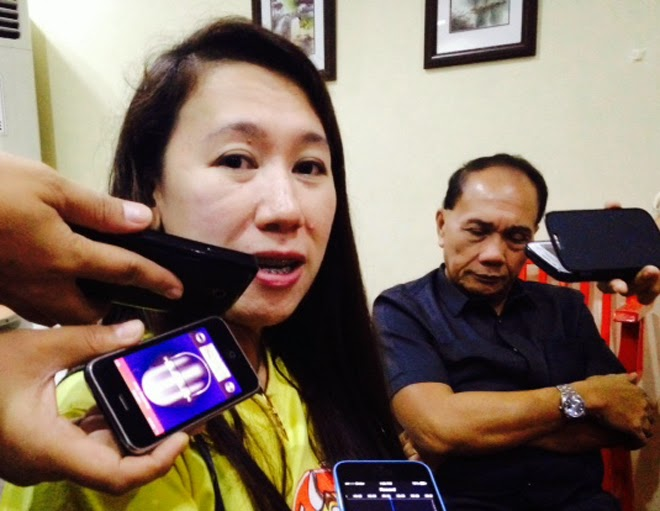Bacolod abattoir firm general manager talks to reporters