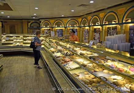 Zehnder's Bakery