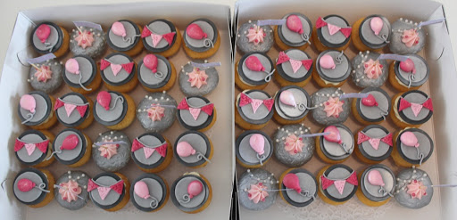 949- Feest Cupcakes.JPG