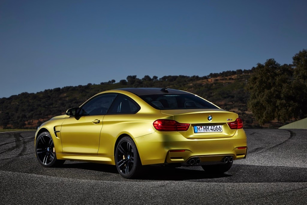 2015 BMW M4 Coupe 25