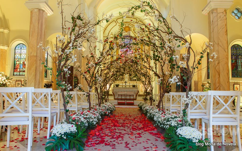 Decora 231 227 o da igreja no casamento da laura na novela alto astral