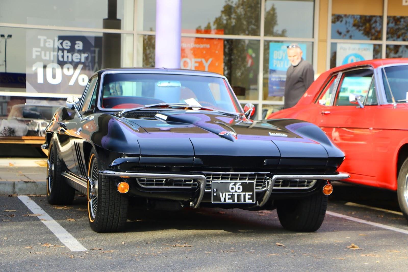 1966 Chevrolet Corvette.jpg