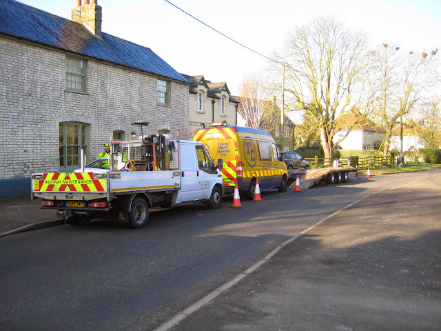 St Johns Close Resurfacing 23-03-2015. Pictures by Chris Cannon - IMG_1057.JPG