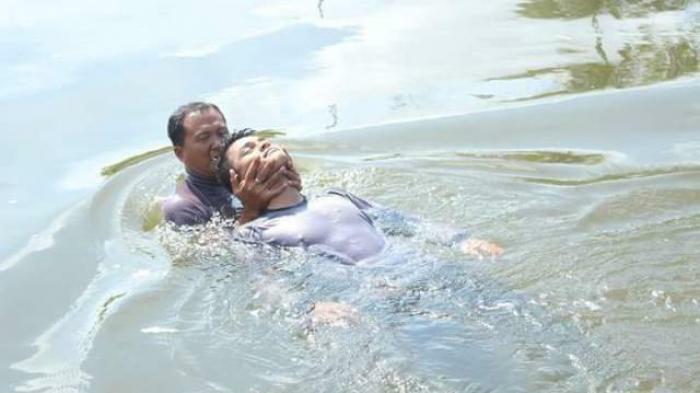 Beberapa Cara Menolong Orang Yang Tenggelam