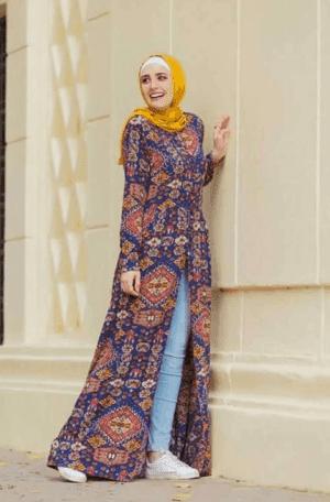 1. Hijab Gaun Terbuka