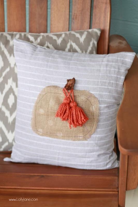Easy-DIY-Fall-Pumpkin-Pillow-11