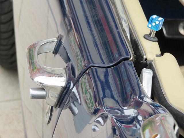 フォードマスタングコンバーチブルのドアノブ