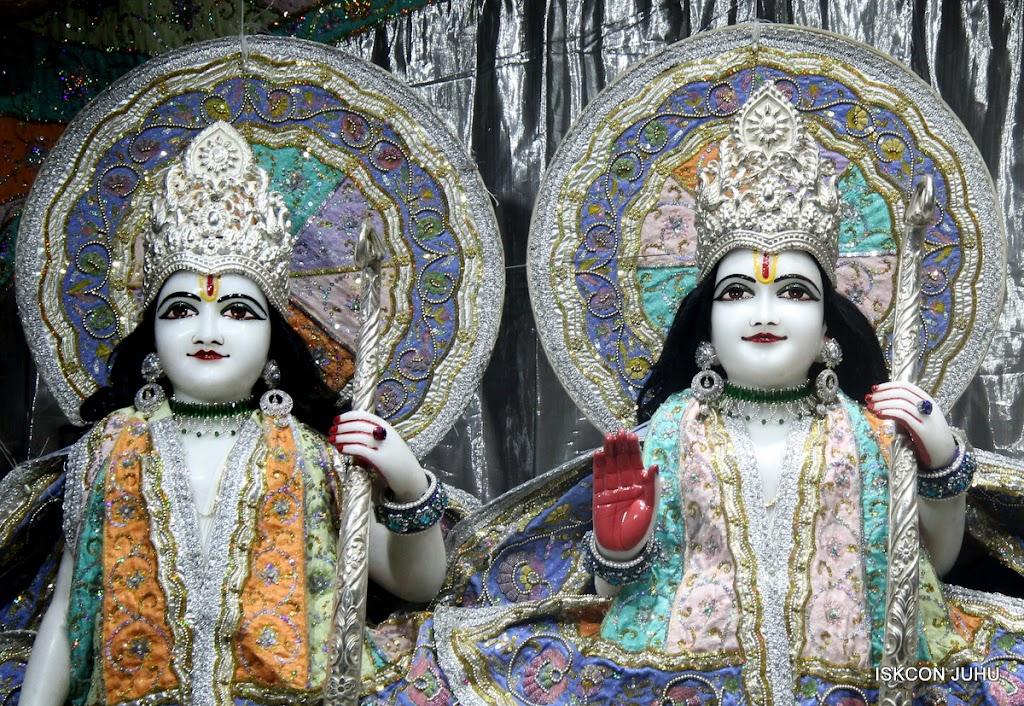 ISKCON Juhu Mangal Deity Darshan on 5th Aug 2016 (9)