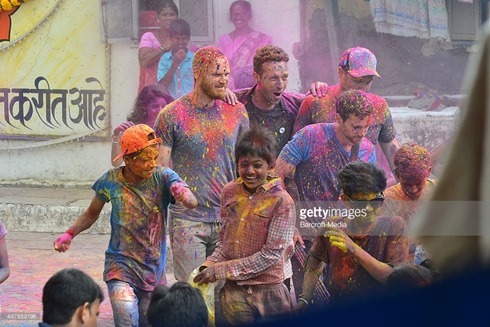 487859196-rock-band-coldplay-spotted-filming-a-music-gettyimages