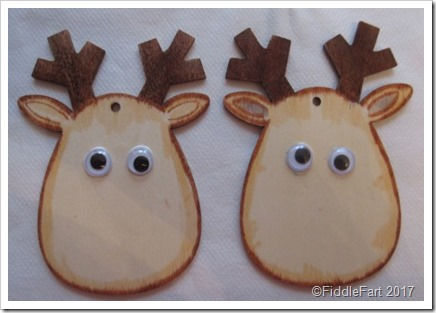 Wooden Reindeer Tags. Crafts