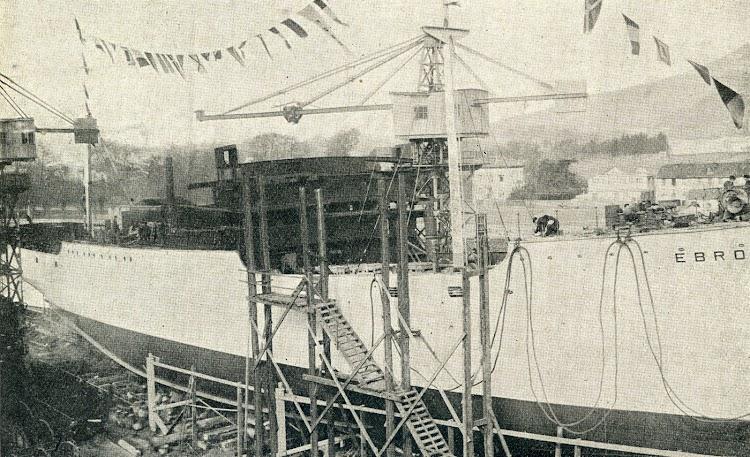 La botadura del EBRO. De la resvista Iberica. Año 1928.JPG