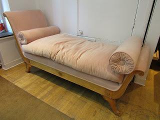 Velvet Fainting Couch