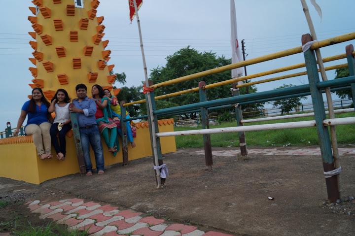 Omkareshwar and Hanmuntiya water resort - DSC07050.JPG