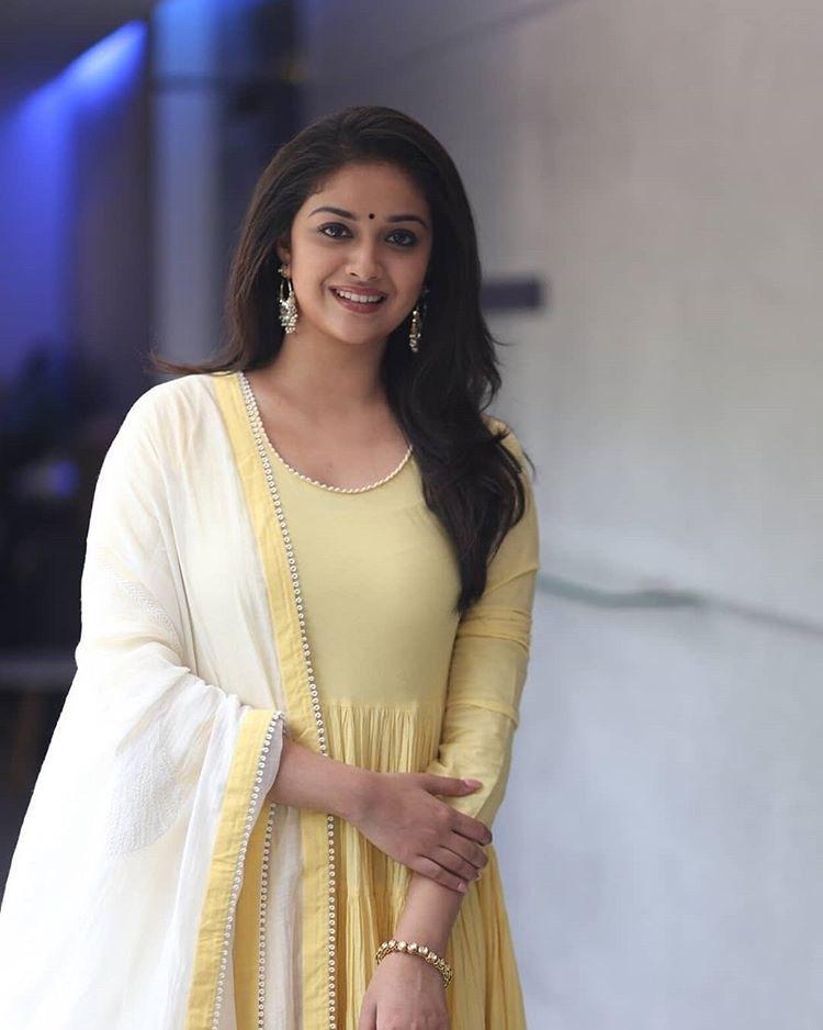 Keerti Suresh latest hot photos in yellow chudidhar   Mahanati Actress Navel Queens